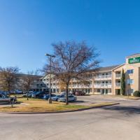 HomeTowne Studios Dallas - Fort Worth