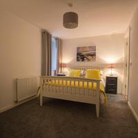 Large ground floor 3 bed apartment with parking