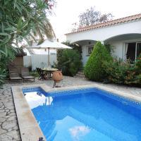 Casa individual con piscina en Roses