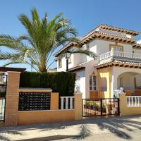 Luxury and comfort in El Pinet, with sea views