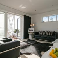 Gower View Boutique Penthouse