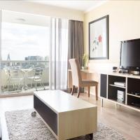 Resort Living And Darling Harbour At Your Door