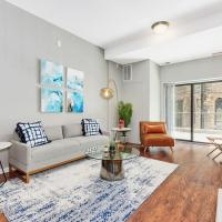New! Smart 2BR Near McCormick Place
