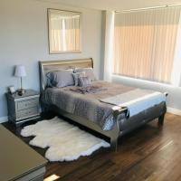 Amazing Master Suite in Shared 2/B Condo behind Convention Center