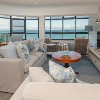 The Sun,Whales and Waves seafront apartment