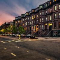 Cheap, Furnished Two-Bedroom Apartment Downtown Boston Garden Unit