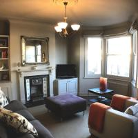 Beautiful 2 bed 2 bath house for 4 guests