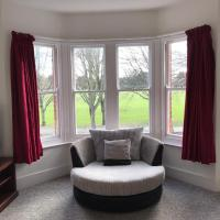 Park View - Recently refurbished 2 bedroom flat