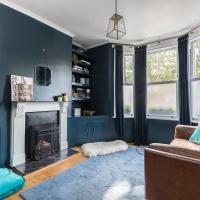 Family 2BR apt in Fulham, 10 min to Imperial Wharf