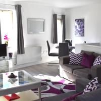 Immaculate 2 Bedroom Apartment for up to 6