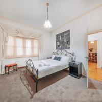 Camberwell Bright · Camberwell 5Bedder 2Bath Huge Classy Family home