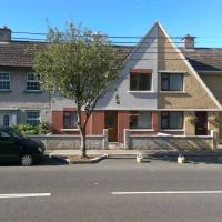House in the heart ❤ of Tralee with parking space
