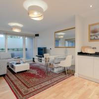 2 Bedroom with Canary Wharf Skyline View