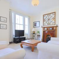 Comfortable & Bright Family Home - Imperial Wharf