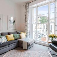 Stylish Two Bedroom Apt Camden w/WIFI