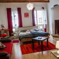 Rooms and Apartment Veral-KA