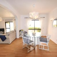 T2 Holiday Cottage near the beach | B112