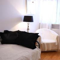 a-domo Apartments Oberhausen - Modernes Loft und große Wohnungen - Ideal für 1 - 8 Personen & Großgruppen - Langzeitmiete sowie Kurzzeitmiete