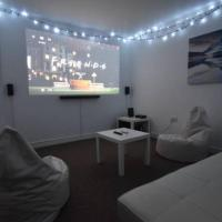 """4 double bed Whole House With 125"""" Home Cinema"""