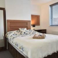 *Coventry* University Hospital- 4 Bed, 2 Shower