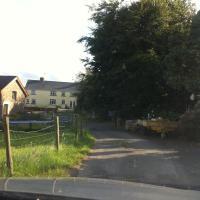 Tre Neddyn Farm House, hotel in Swansea