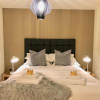 Scandi Style, Comfortable City Centre Apartment