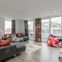 Modern 3 Bedroom Top Floor Apartment