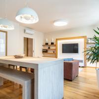 Luxurious and Quiet Apartment near Wenceslas Square by easyBNB