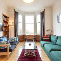 Peaceful city centre flat with excellent location