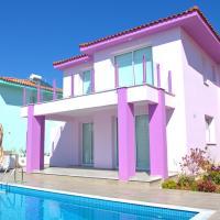 Villa Pink near beach with swimming pool