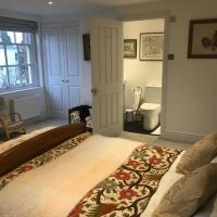 Room 1, Kingsholm Road By RentMyHouse