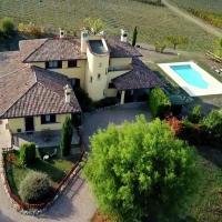 Independent Villa in Santa Maria della Versa with Pool