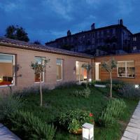 Spacious Apartment with Garden in Venice