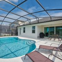 4-bedroom house w/ private pool - great location