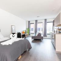 Retreat to quite newly build apt center Delft