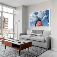 Refined 1BR+Lounge in City Center