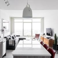 Hip 1BR w/ Lounge+Gym in Downtown