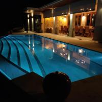 Luxury Pool Villa and Luxury Guest House