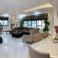 Luxury Furnished 3Bed Rooms with Kitchen, huge Suite near LAKE Khalid
