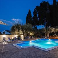 Olive Grove Poolside Apartments