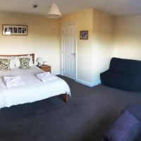 The Lowfield Inn
