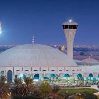 Sharjah Airport Transit Hotel (Managed by Flora Hospitality), hotel near Sharjah International Airport - SHJ, Sharjah