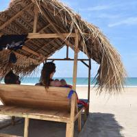 Nilaveli sand life