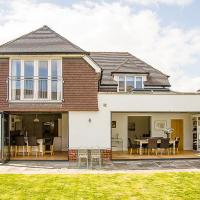 Chichester Spacious House Ideal for Goodwood and city centre