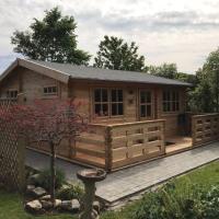 Cosy cabin near historic Chester