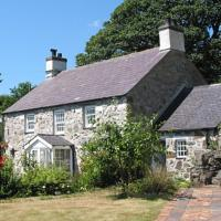 Coed y Berclas cottage, private orchard with stunning views