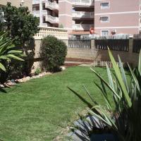 Mare Nostrum. Jardin y playa, hotel in Canet de Berenguer