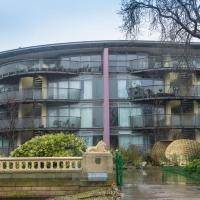 Heart of City Centre,Luxury Apartment,Balcony En-Suite,WIFI 2