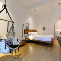 The Hut Boutique Hotel-Notre Dame