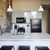 Snowdrop - Stylish One Bed in Uptown by Short Stay